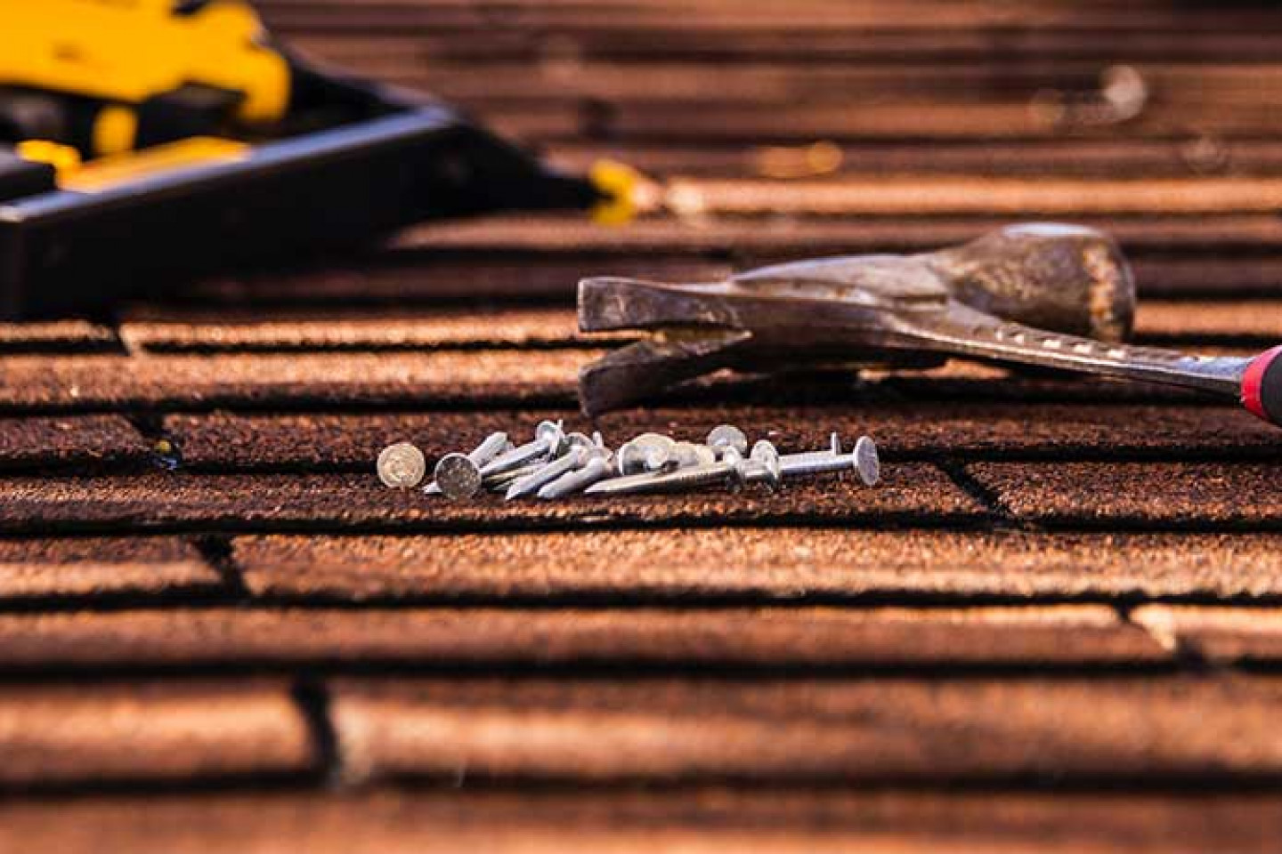 Hire the Right Contractor to Repair Your Roof
